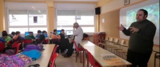 """Codelearn imparteix classes de programació a les escoles de Manresa dins de la campanya """"Hour of Code"""""""