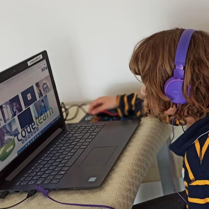 Els reptes de l'educació a distància i el cas de l'extraescolar online de Codelearn